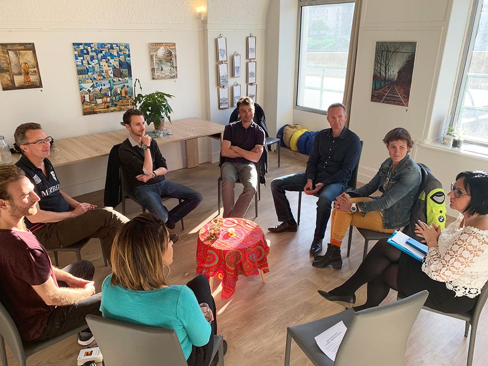 Moment de partage : cercle de parole chez LOUTY Lyon
